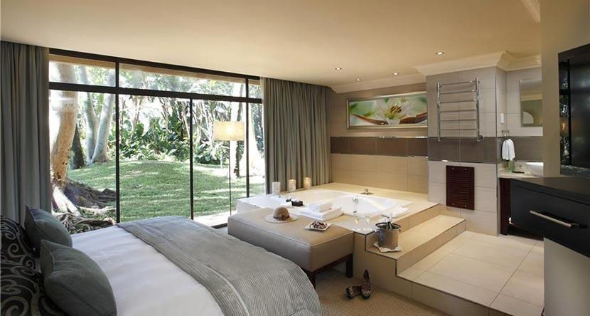 Cascades-garden-suite-bedroom.jpg