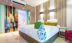 scr4f8000-1269-sun-city-cabanas-accessible-room-4.jpg
