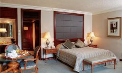 cascades-superior-luxury-bedroom2.jpg
