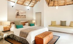 pilanesberg-game-reserve-Tambuti-Private-Lodge-004.jpg