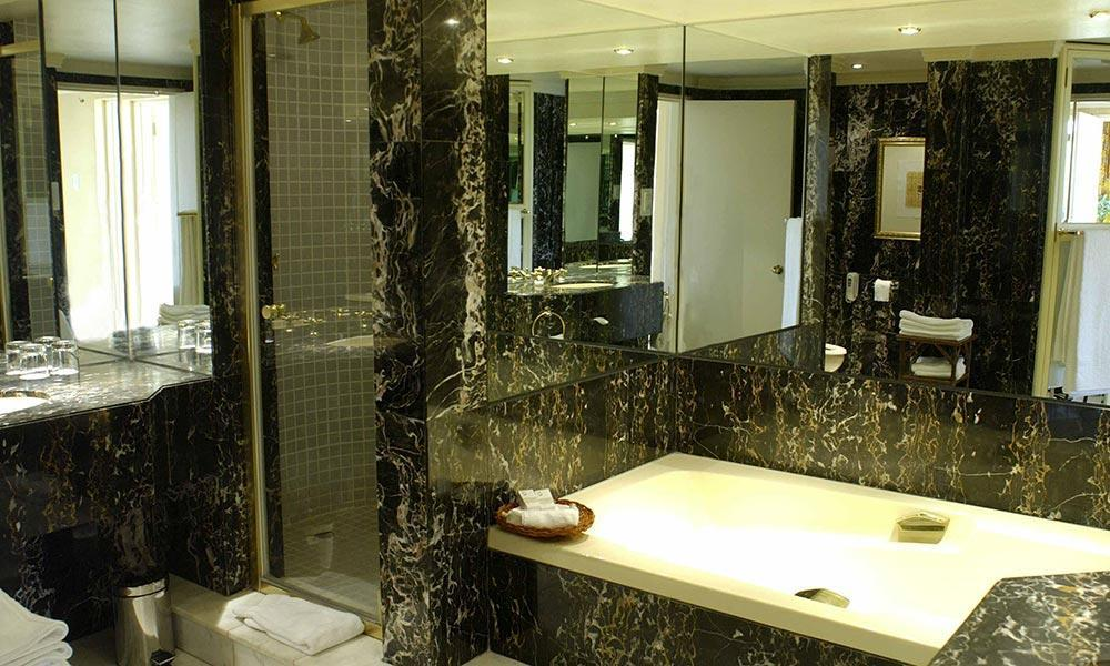 Presidential-Suite---bathroom-The-Sun-City-Hotel-SPR.jpg
